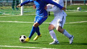 Footballers - managing Osgood Schlatter disease training